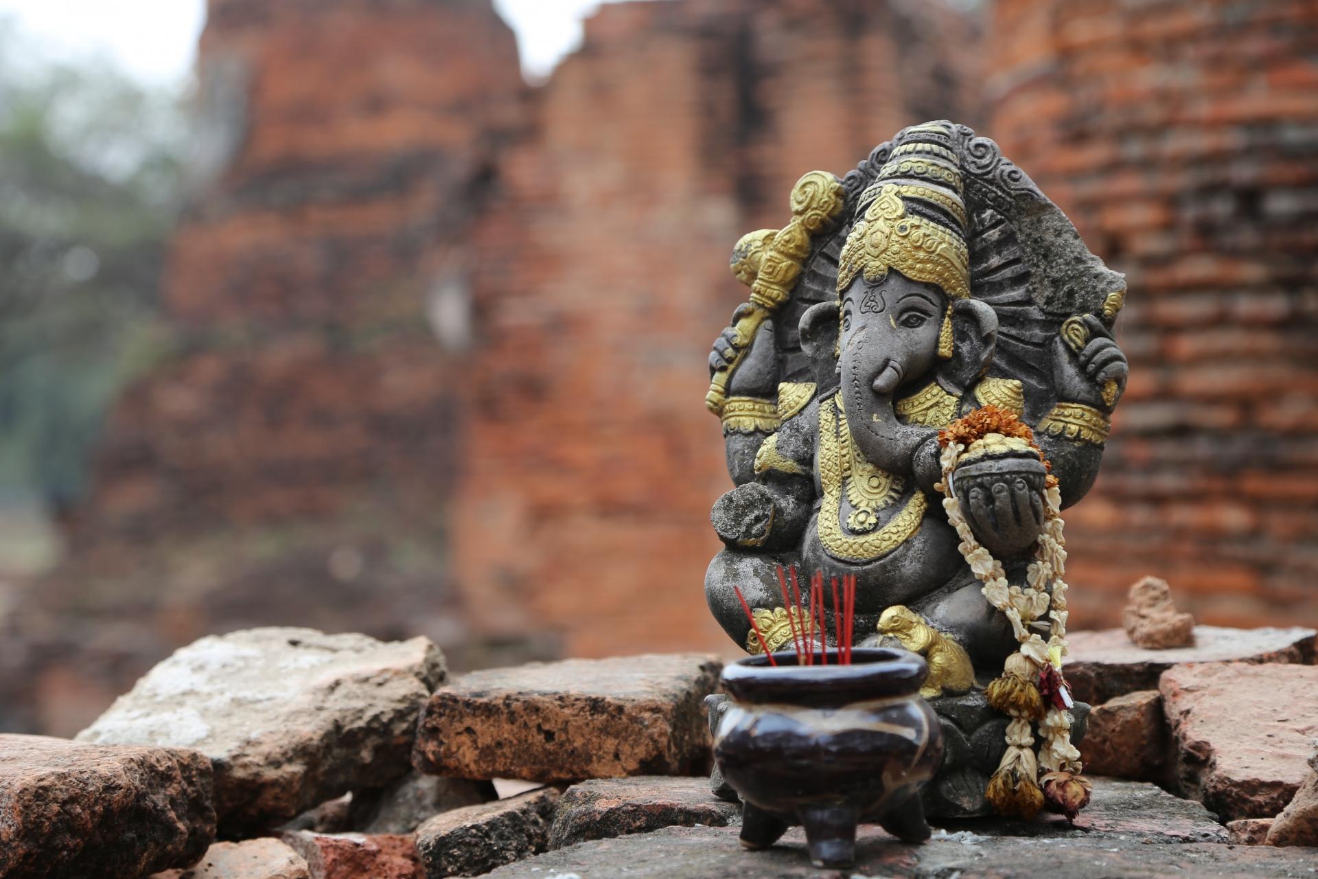 NLPやコーチングは「あやしい自己啓発」「信仰宗教」という風潮
